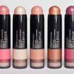 """Карина: """"Для макияжа на борту самыми удобными хайлайтером и румянами оказались L.A. Lights Blendable Lip & Cheek Color, Smashbox""""."""