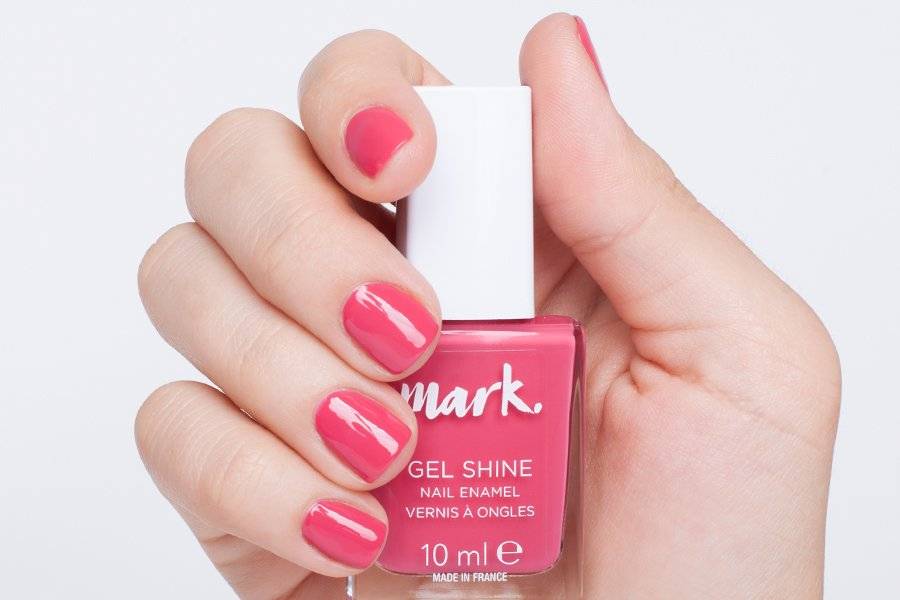 Mark-gel-shine-cerise-ly-swatch