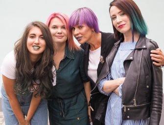 Цветные волосы: как с ними жить?