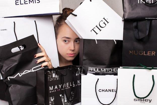 3c99c583fc53 Зачем мы покупаем косметику и сколько это на самом деле стоит ...