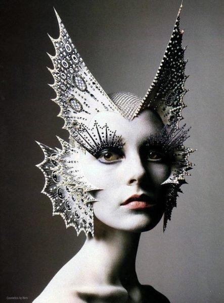 avant-garde-1-makeup-pinterest