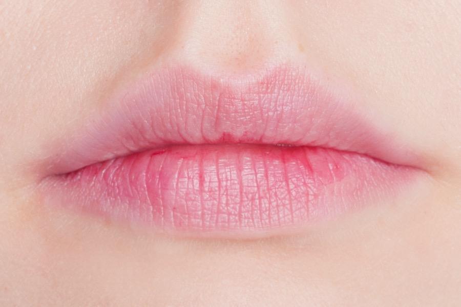 the-balm-stainiac-lips-swatch