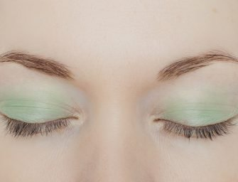 Тени Paperlight Cream Eye Color, Shiseido: свотчи и отзывы