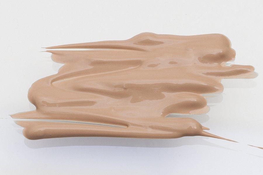 Lumene-glow-foundation-1-classic-beige-swatch