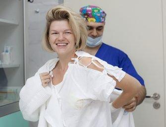 Подтяжка груди без шрамов: репортаж из операционной. История Оли