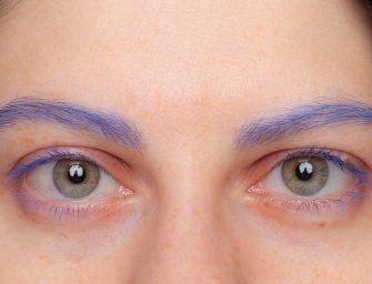 Мы попробовали: тушь для синих бровей и крутые средства для сухой кожи