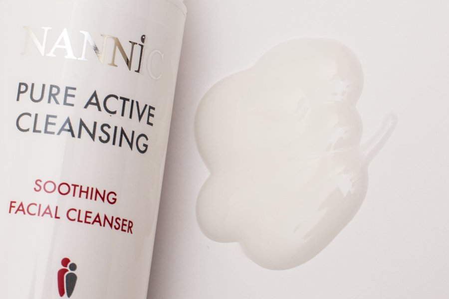 nannic pure active cleansing swatch