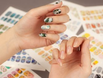 Как клеить слайдеры на ногти: подробная инструкция