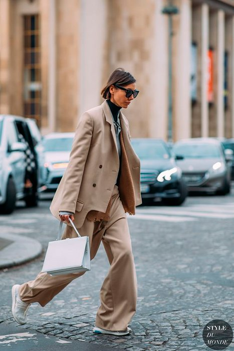trends-suits-beige