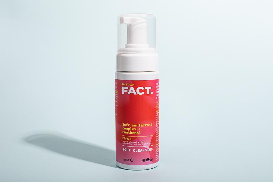 Ежедневная мягкая очищающая пенка для умывания лица для обезвоженной и чувствительной кожи Face Foam, Fact.