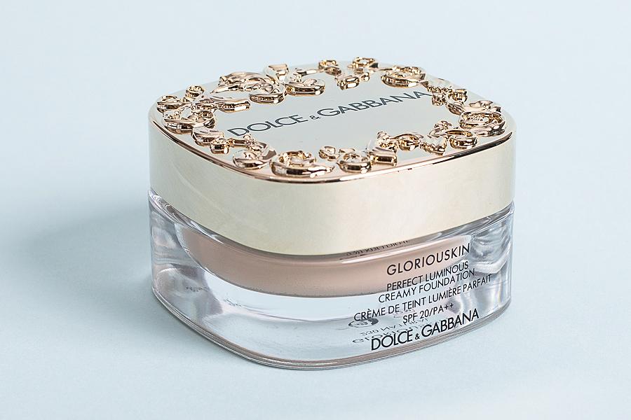 Тональный крем с эффектом естественного сияния Gloriouskin SPF 20, Dolce & Gabbana